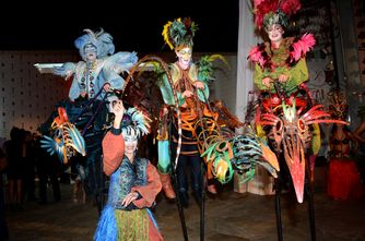Performers from Cirque du Soleil at the unveiling of T Galleria in Hawaii