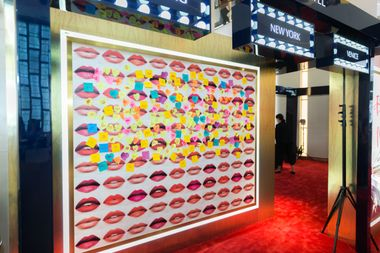 Wall of Kisses at T Galleria Beauty by DFS, Causeway Bay